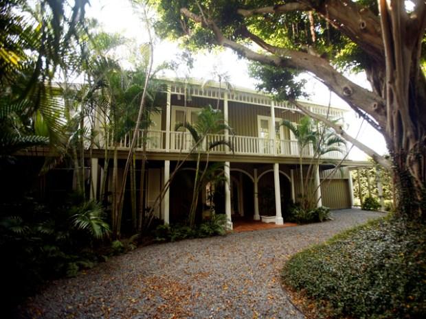 [NATL - MIA] Inside Bernie Madoff's Palm Beach Mansion