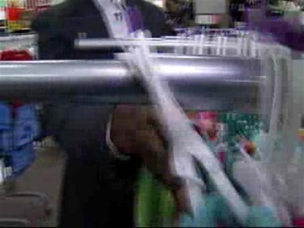 [MI] Dwyane Wade Does Some Holiday Shopping