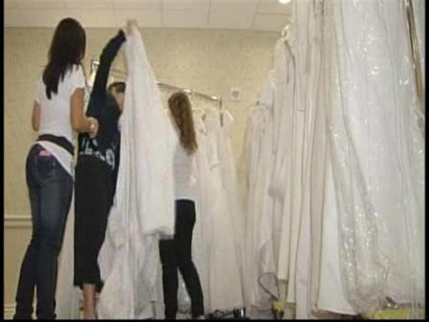 [MI] Bridal Gowns Sell For Breast Cancer