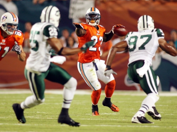 Shockwork Orange: Fins Take Jets in Thrilling Win