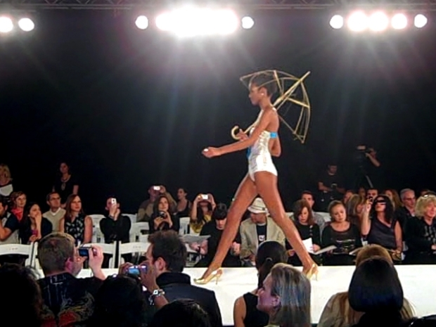 [NATL] VID: Take a Peek at Opening Night of Miami Fashion Week