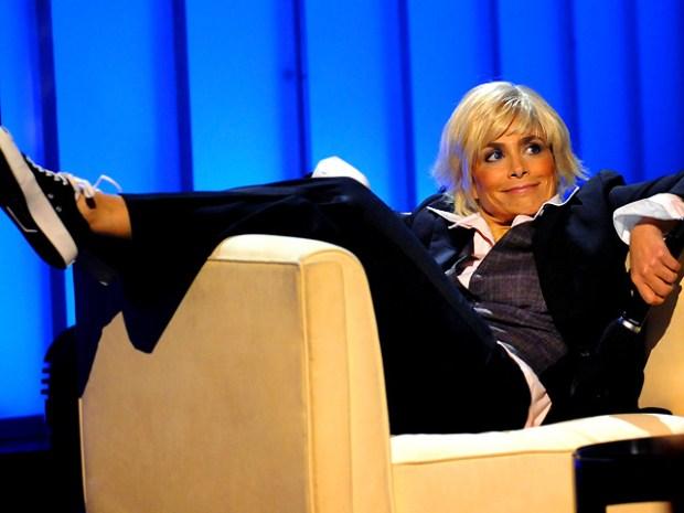 [NATL] Paula Punks Ellen at VH1's Diva Concert