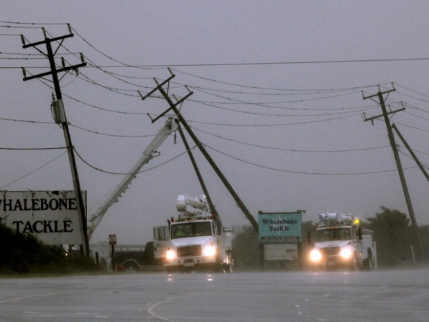 [NATL] Dramatic Photos: Hurricane Earl Threatens East Coast