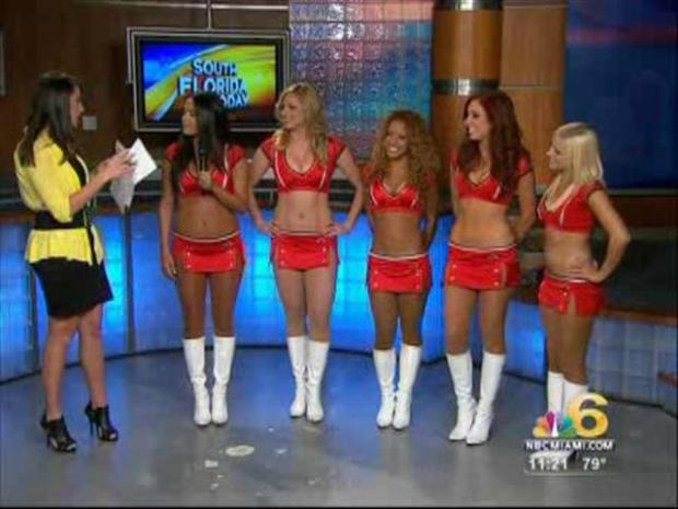 [MI] Heat Dancers Show Their Stuff