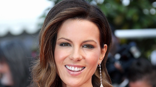 "[NBCAH] Kate Beckinsale Uncovers ""Contraband"""