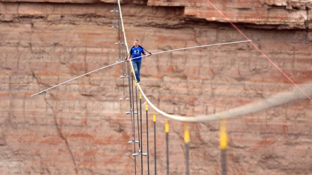 Wife of Nik Wallenda set for Niagara Falls aerial stunt