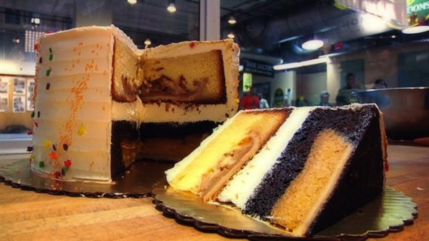 [LXTVN] Get at Bite of Pumpple Cake at Flying Monkey