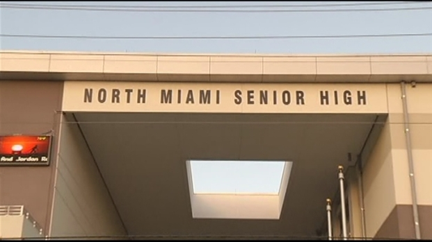 [MI] Classmates and Friends Protest North Miami High Valedictorian's Deportation Order