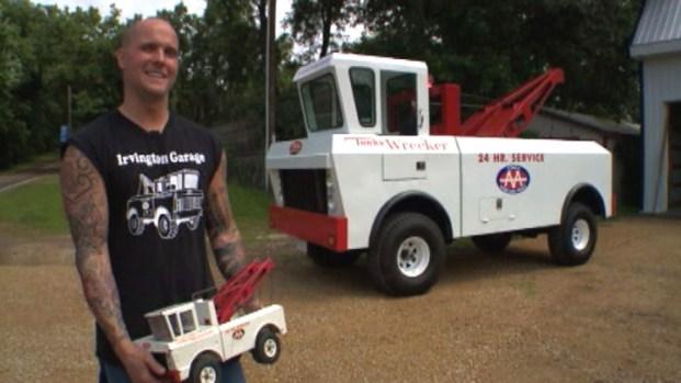 [NATL] Tow Truck Driver Creates Life-Sized Tonka Truck
