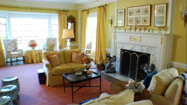 [LXTVN] Designer Living: Inside a Warm Georgian Revival Home