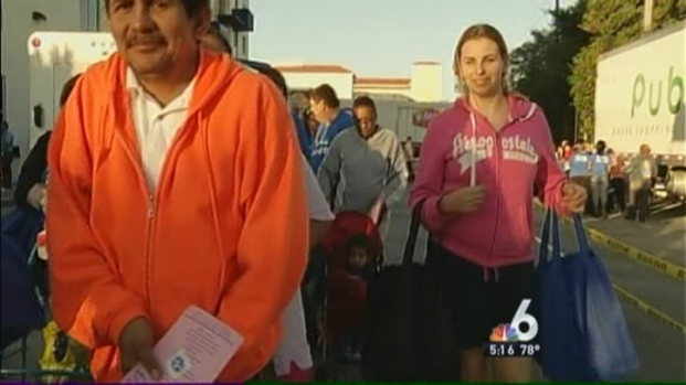 [MI] Thousands Receive Holiday Meal Baskets in Miami