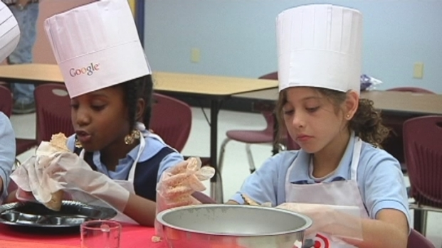 [MI] Wade's Chef Cooks For Second Graders