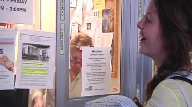 [MI] UM Students Line Up for Obama Tickets