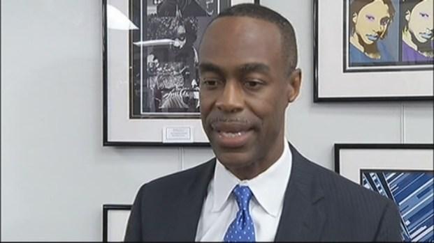 [MI] Parents Back Up Stoneman Douglas Principal Washington Collado at Broward School Board Meeting
