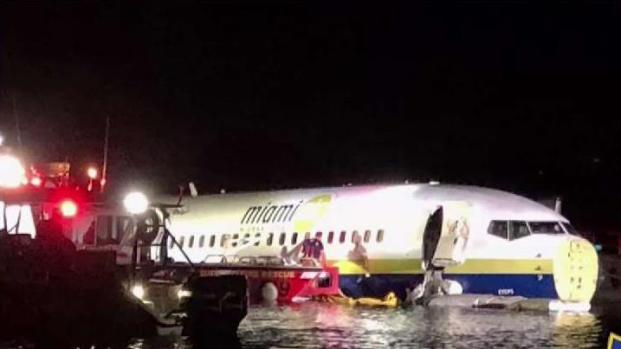 [MI] Plane Goes Down in Water in Jacksonville