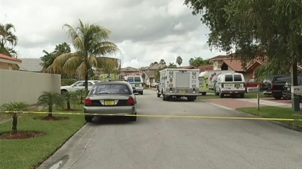 [MI] RAW VIDEO: Miami-Dade Neighborhood Evacuated After Explosion in Home
