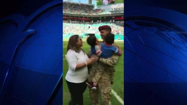 [MI] Soldier Surprises Family at Miami Dolphins Game