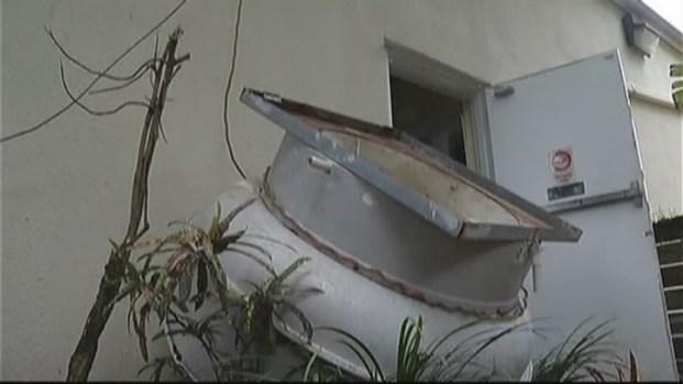 [MI] Roof Worker Bitten by Police Dog in Late-Night Davie Encounter: Authorities