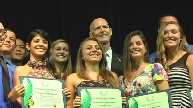 [MI] Gov. Rick Scott Recognizes Western High School Students for Helping Crash Victims
