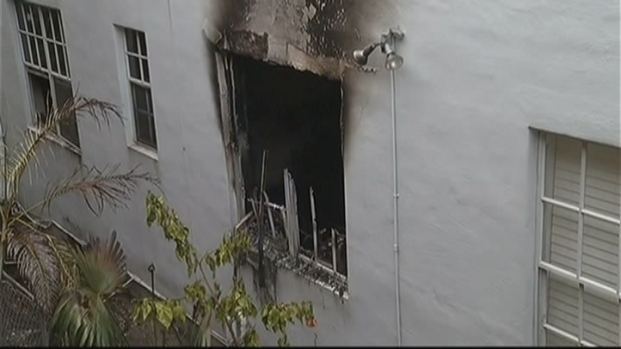 [MI] 2 Killed in Miami Beach Apartment Fire
