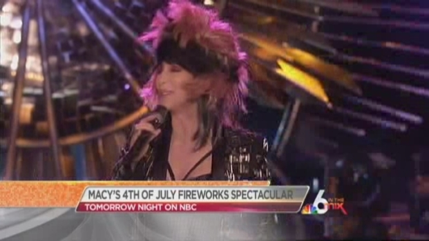 [MI] Nick Cannon Hosts Macy 4th of July Spectacular