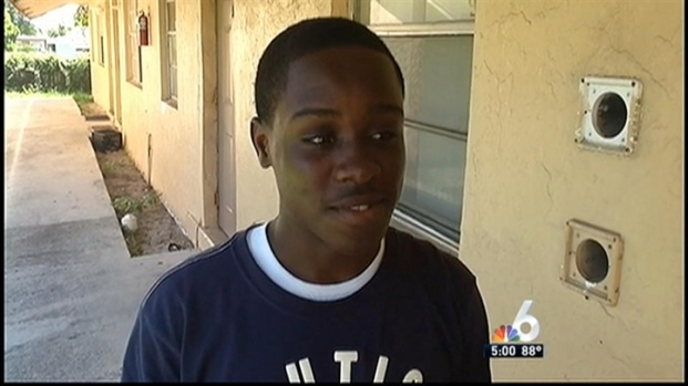 [MI] Man Exposed Himself to Girl, 14, at School Bus Stop: BSO