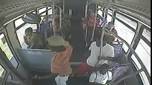 [MI] Surveillance Video Shows iPad Theft on Bus