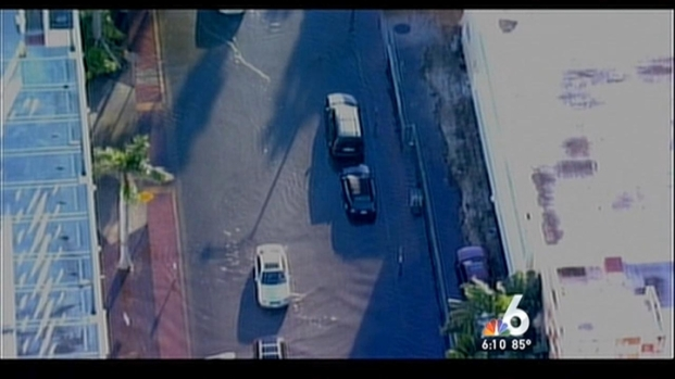 [MI] High Tide Leaves South Florida Streets Flooded