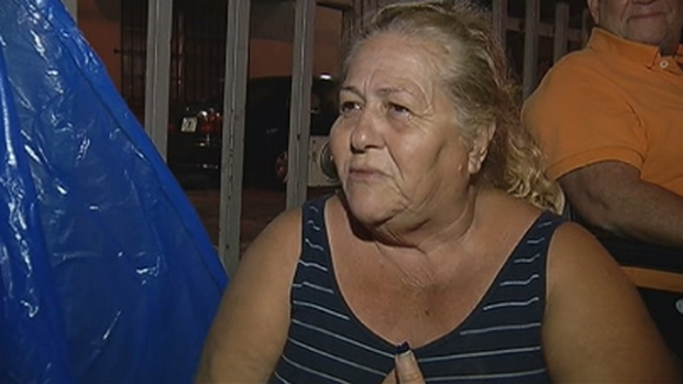 [MI] Hundreds Camp Out Overnight in Little Havana for Holiday Food Basket Vouchers