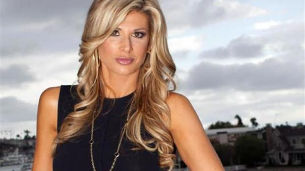 [MI] Alexis Bellino Talks Fashion!