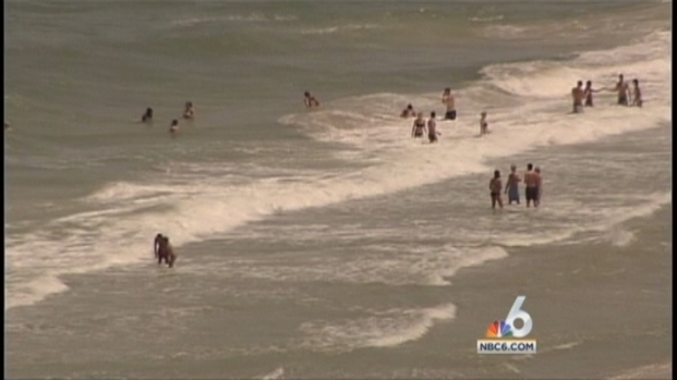 [MI] Fort Lauderdale Considers Allowing Alcohol on Beach