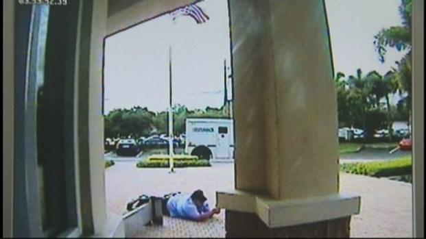 [MI] Surveillance Video of Brink's Guard Robbery