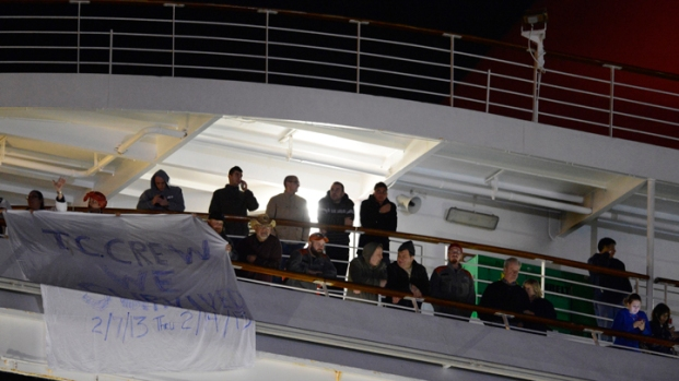 """[DFW] Passengers Cheer Escape From """"Horrible"""" Cruise"""