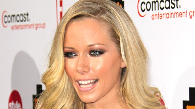 "[NBCAH] Kendra Wilkinson Talks ""Dancing's"" Impact on Her Family"