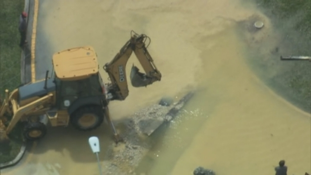 [MI] RAW VIDEO: Water Main Break in North Miami