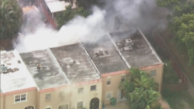 [MI] RAW VIDEO: Fire Rips Through Northwest Miami-Dade Townhouse