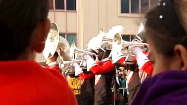 [MI] Junior Orange Bowl Parade Delights Crowd in Coral Gables