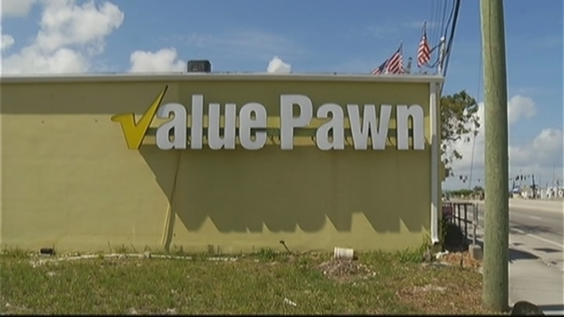 [MI] Robbers Flee After Threatening to Kill Pompano Pawn Shop Employees