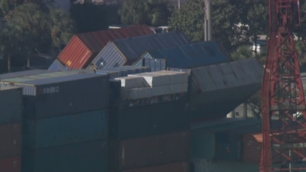 [MI] Aerial Footage of Port Everglades Containers Fallen From Barge
