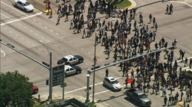 [MI] Raw Video: Hundreds of Students Protest For Trayvon Martin
