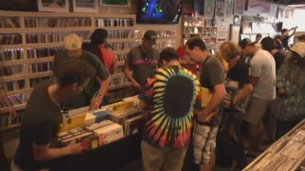 [MI] South Florida Celebrates Record Store Day With Local Music, Block Parties