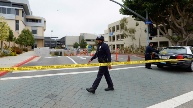 [LA] Santa Monica College Students Return to School After Shooting Rampage