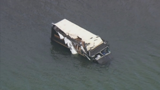 [MI] RAW VIDEO: UPS Truck Goes Into Biscayne Bay
