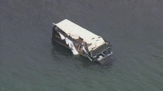 [MI] RAW VIDEO: UPS Truck Goes Into Biscayne Bay