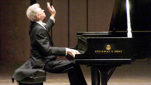 "[DFW] ""The Texan Who Conquered Russia,"" Van Cliburn Dies at 78"