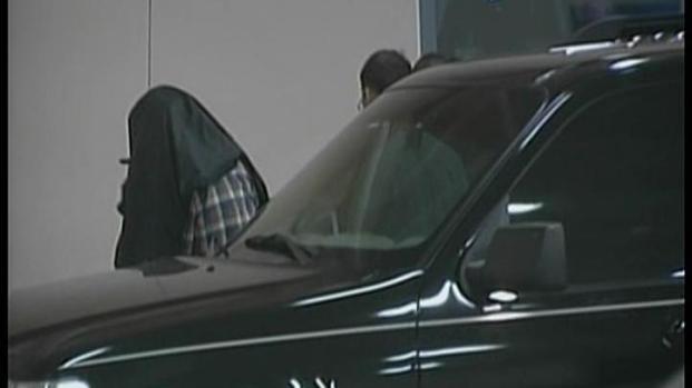 [MI] George Zimmerman Led Into Seminole County Jail