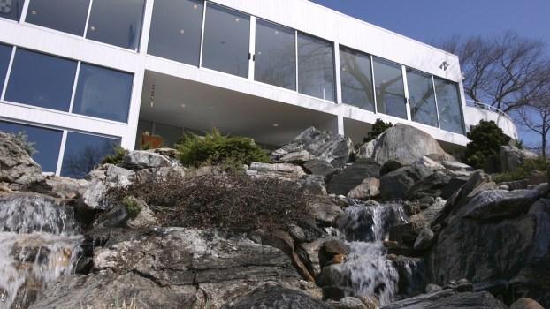 A Glass Home Overlooking Beautiful Byram Lake