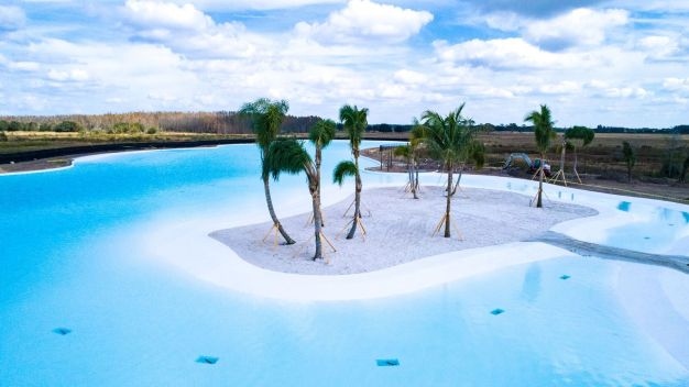 First Crystal Lagoon in Country Comes to Florida