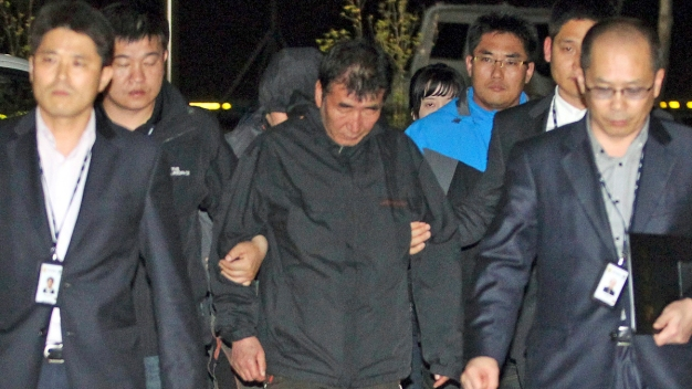 Divers Spot 3 Bodies Inside Sunken S. Korean Ferry