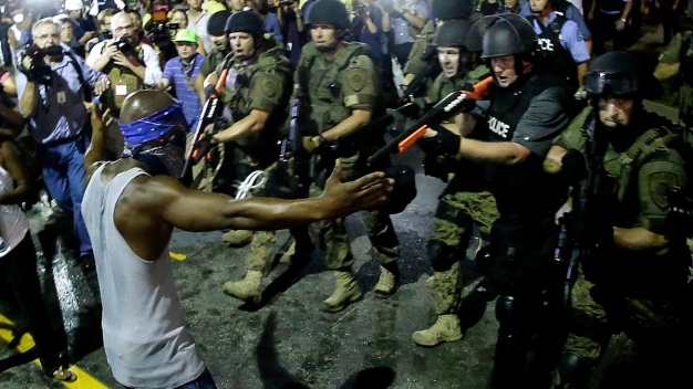 Missouri Gov. Orders National Guard to Withdraw From Ferguson